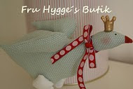Ønsker du at bestille noget fra Fru Hygges Butik, kan du Kontakte mig på mailen under billedet