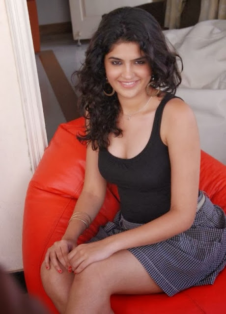 Deeksha Seth Latest In Black Top