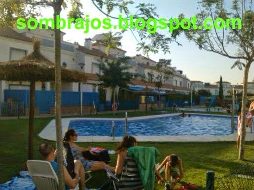 Sombrillas barr n 1 90 cm de di metro para piscina coria for Sombrillas para piscinas