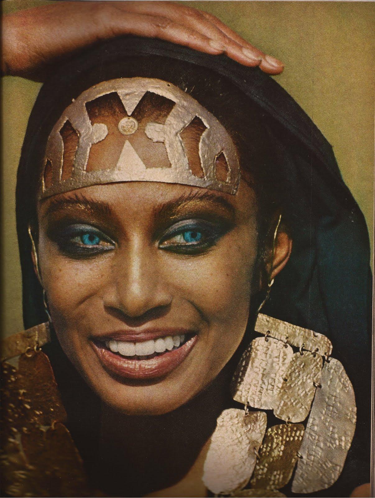 http://1.bp.blogspot.com/-ATho3fUNY6Q/UJMOJgjKz6I/AAAAAAAAG-k/mhccEs--Xlg/s1600/Vogue+April1,+1969-1.jpg