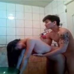 Video Caseiro do Tatuador Comendo a Novinha no Banheiro - http://www.videosamadoresbrasileiros.com