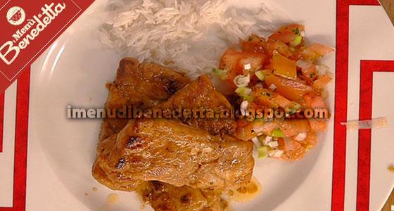 Pesce speziato con riso e pico de gallo la ricetta di for Pesce chicco di riso