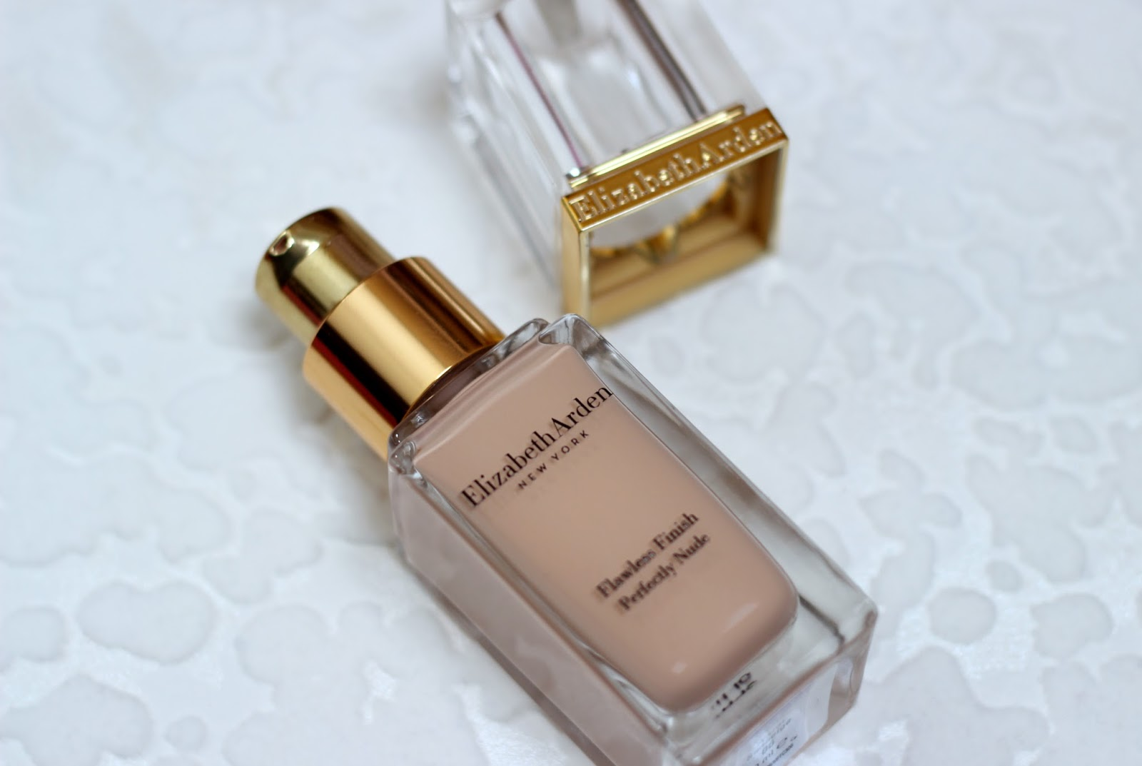 Elizabeth Arden Flawless Finish Perfectly Nude Foundation Review