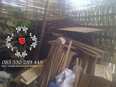 Tempat Kerja Pengrajin kayu Triplek MDF di Jombang