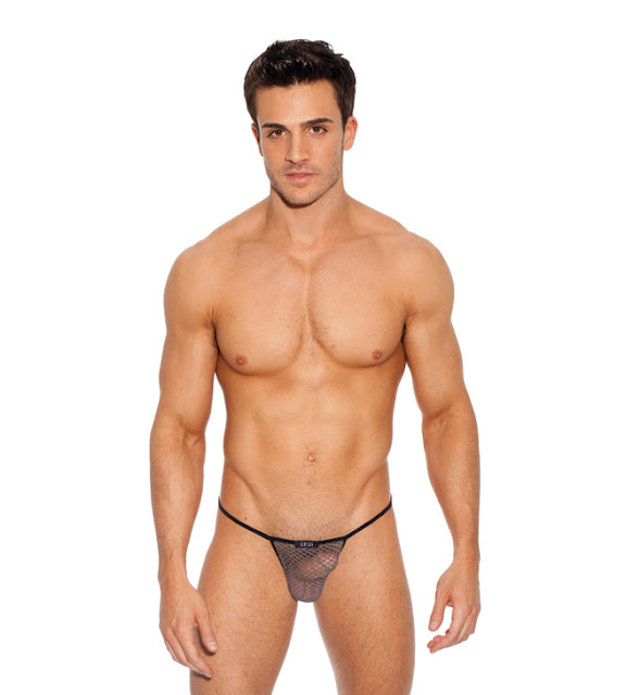http://1.bp.blogspot.com/-AU4bkuZd92M/UcyFvmKbPBI/AAAAAAABGNQ/GPJ5alav9_k/s729/speedo+phil-fusco-nude-naked-gregg-underwear-08.jpg