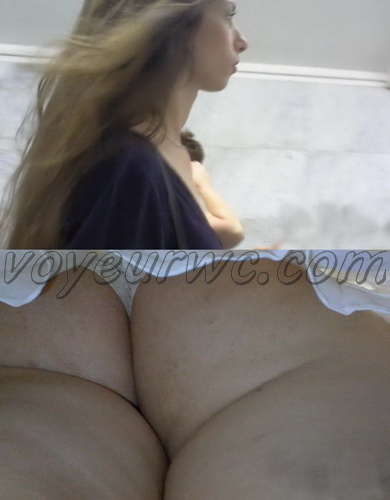 Upskirts 2313-2342 (Beautiful Women Upskirts Voyeur Escalator)