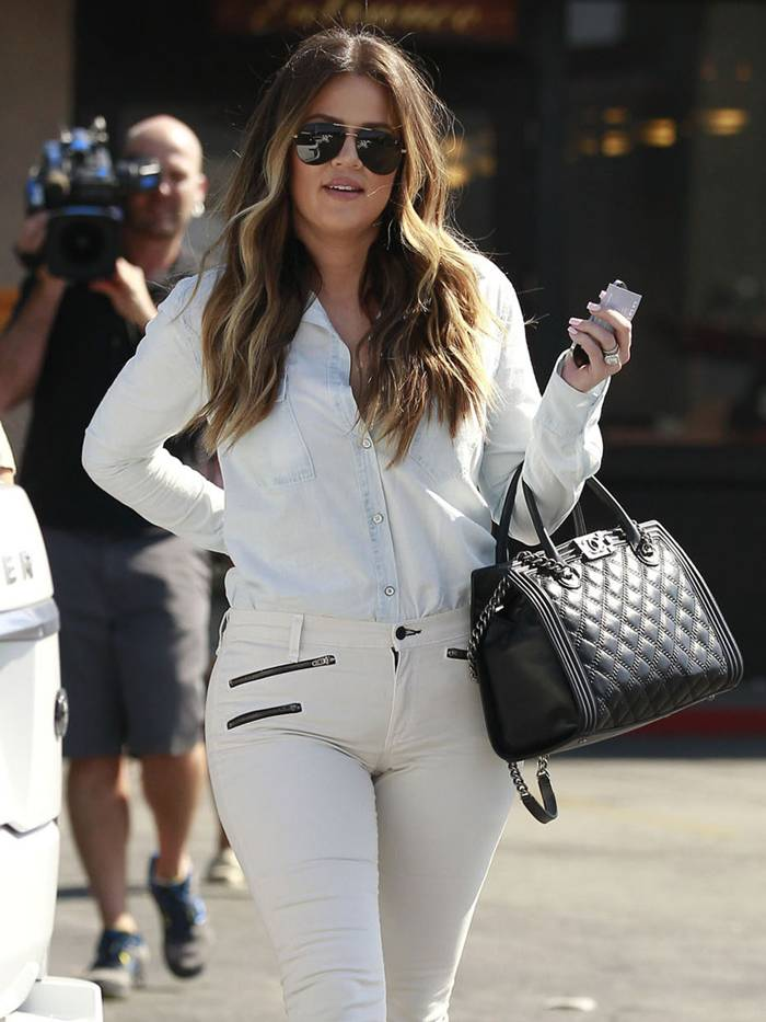 Khloe Kardashian in Tight White Jeans