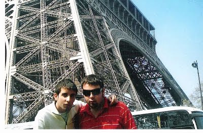 Visitar la Torre Eiffel con un amigo