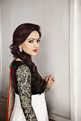 Actress Aksha glamorous photos-thumbnail-19