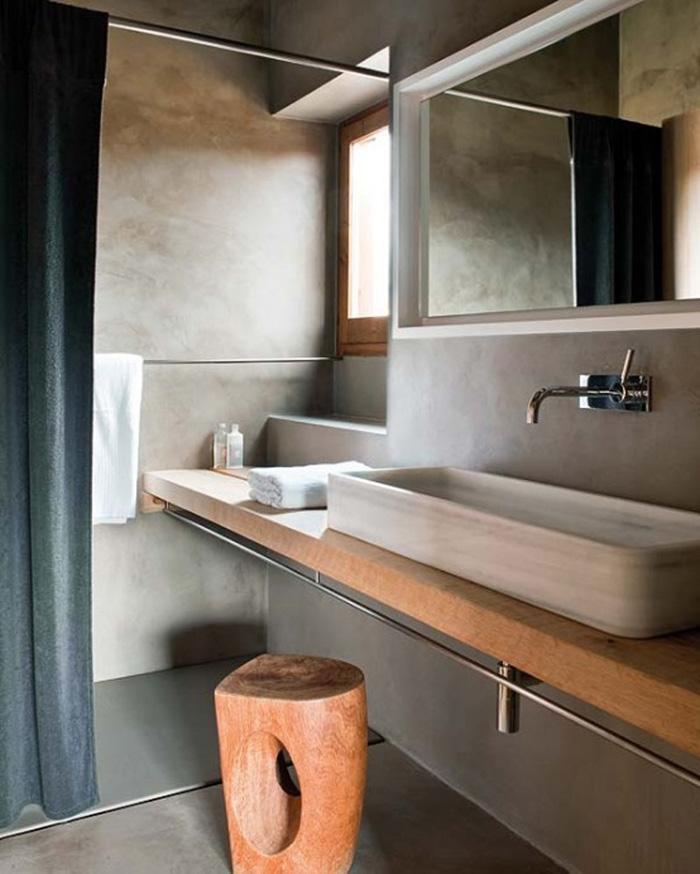 revestimiento  baños microcemento de diseño y encimera madera - lavabo blanco
