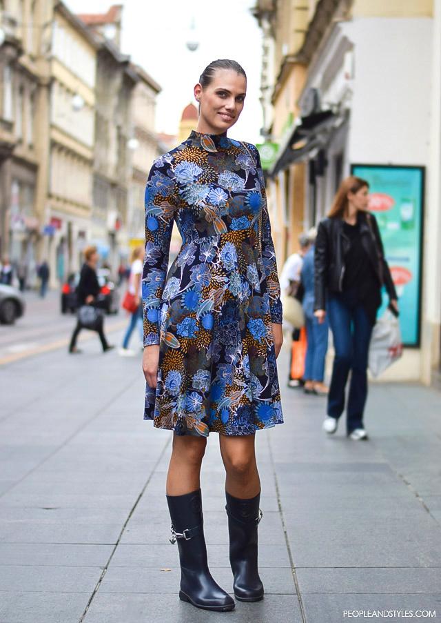 How to wear skater dress and wellington boots. Fashion: street style look, ulična moda, Andrea Markotić, ekonomistica. Kako kombinirati haljinu i gumene čizme