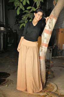 Yamini Bhaskar in Long Skirt and Black Top Lovely Ultimate Beauty at Kakathiyudu Trailer Launch