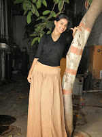 Yamini Bhaskar Latest glam pics-cover-photo