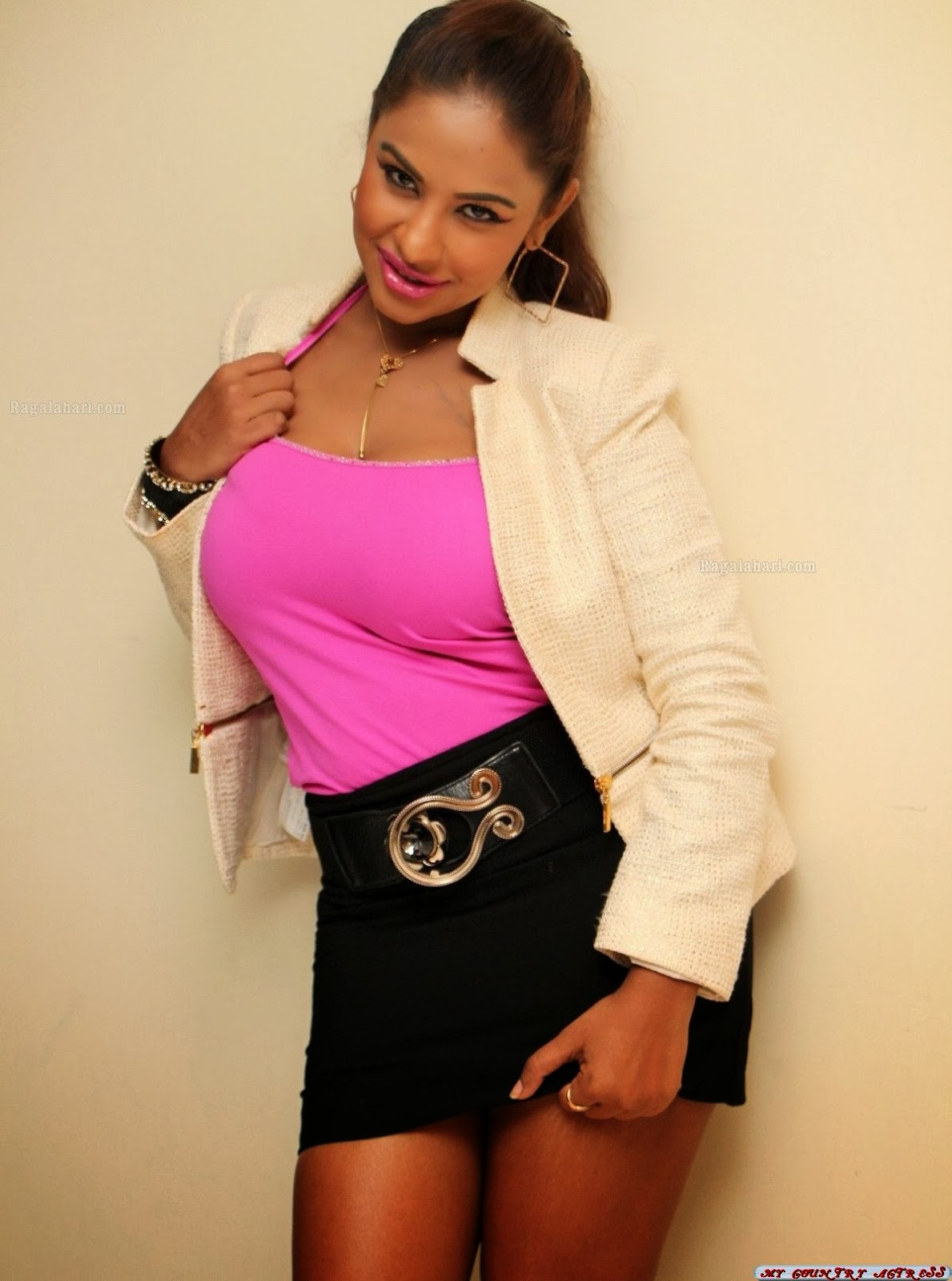 My Country Actress Sri Reddy Mallidi Hot In Pink Top
