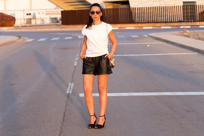 Look de la Blogger de moda española withorwithoutshoes