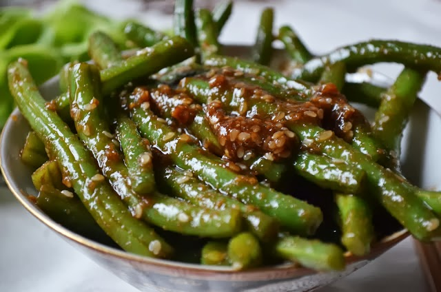 caramelized spicy green beans green beans with lemon almond pesto