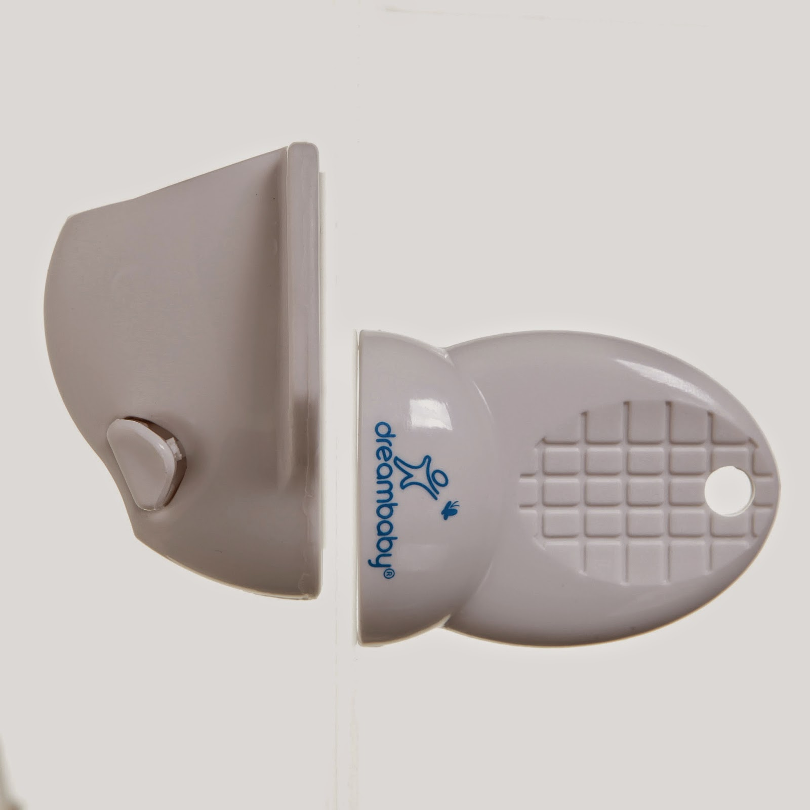 Dreambaby® Adhesive Mag Lock® – Oma Loves U!