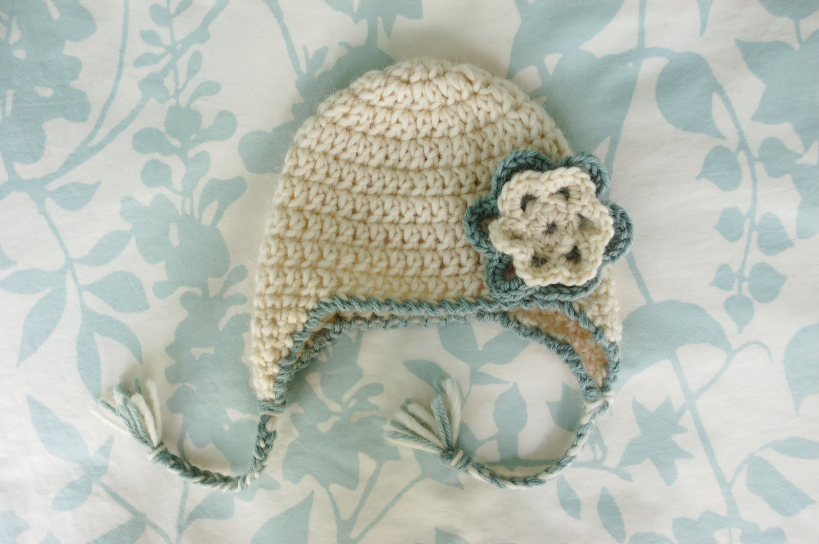 Newborn Crochet Hat Pattern With Ear Flaps : Crochet For Free: Newborn Earflap Hat