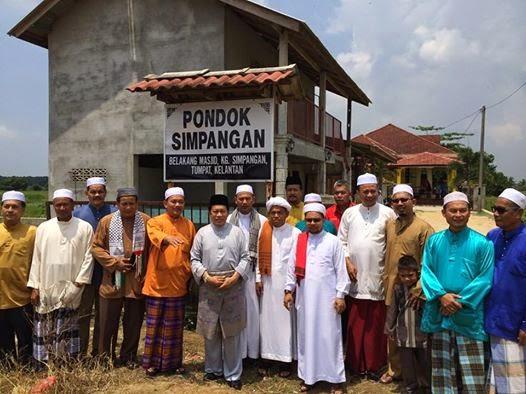 Bekas Johan Taranum Al Quran CALON BN PRK Pengkalan Kubor