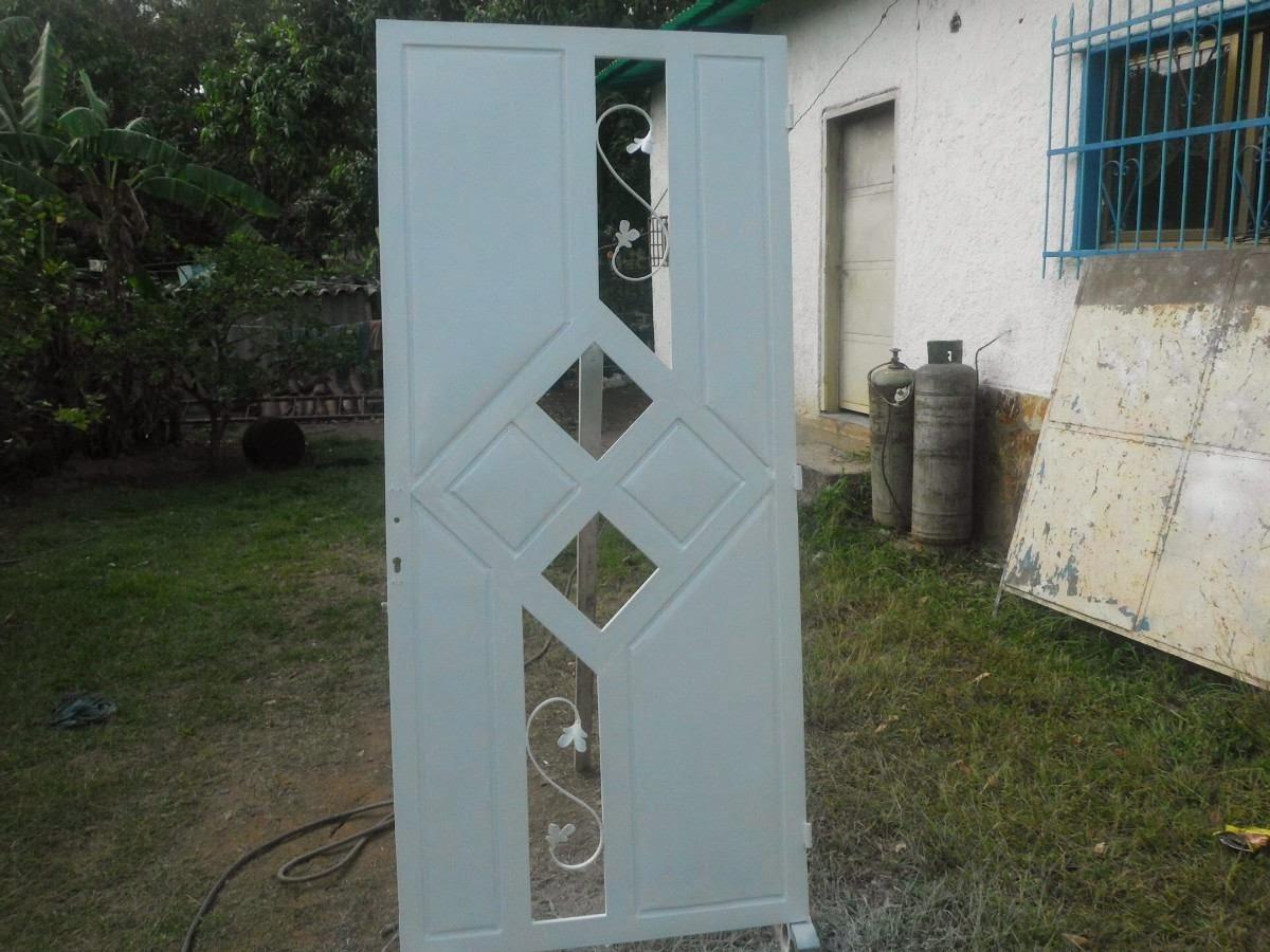 Trabajos de herreria cristaleria y aluminio for Puertas de metal con vidrio modernas