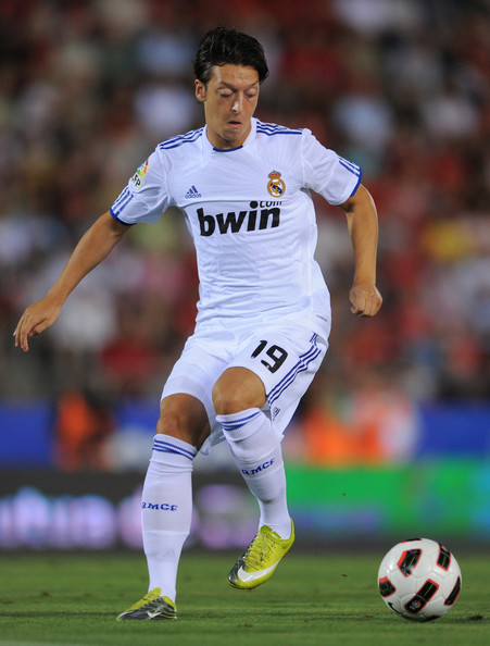 3e1007914 Mesut Ozil Profile and Pictures Images