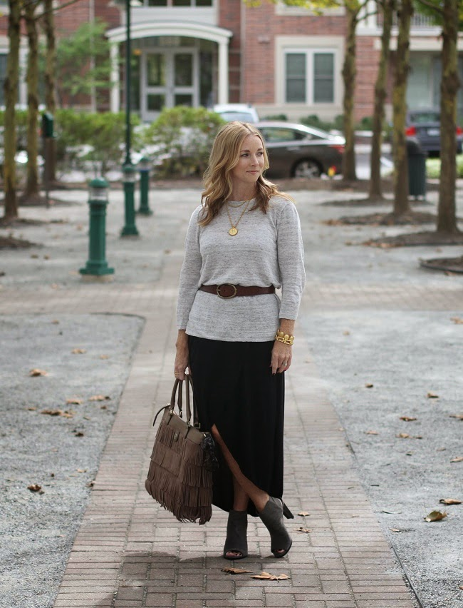madewell linen sweater, gap tulip skirt, madewell belt, tory burch fringe bag, julie vos jewelry, stuart weitzman peeptoe booties