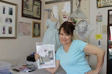 http://1.bp.blogspot.com/-AWdIoQU5wfQ/U1tdKxuqBpI/AAAAAAAAEp0/Uc-n0-yX7TY/s1600/about_laura.jpg