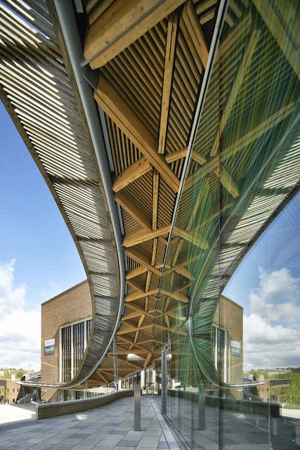 06-University-of-Exeter-Forum-by-Wilkinson-Eyre