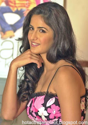 katrina kaif hot exposing pics in a short dress