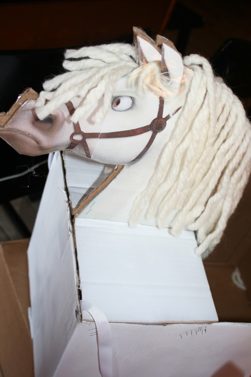 how to make a horse costume out of cardboard