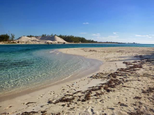 cruising life in the bahamas