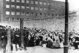 WARSAW GHETTO - UMSCHLAGPLATZ - DEPORTATION OF JEWS TO TREBLINKA