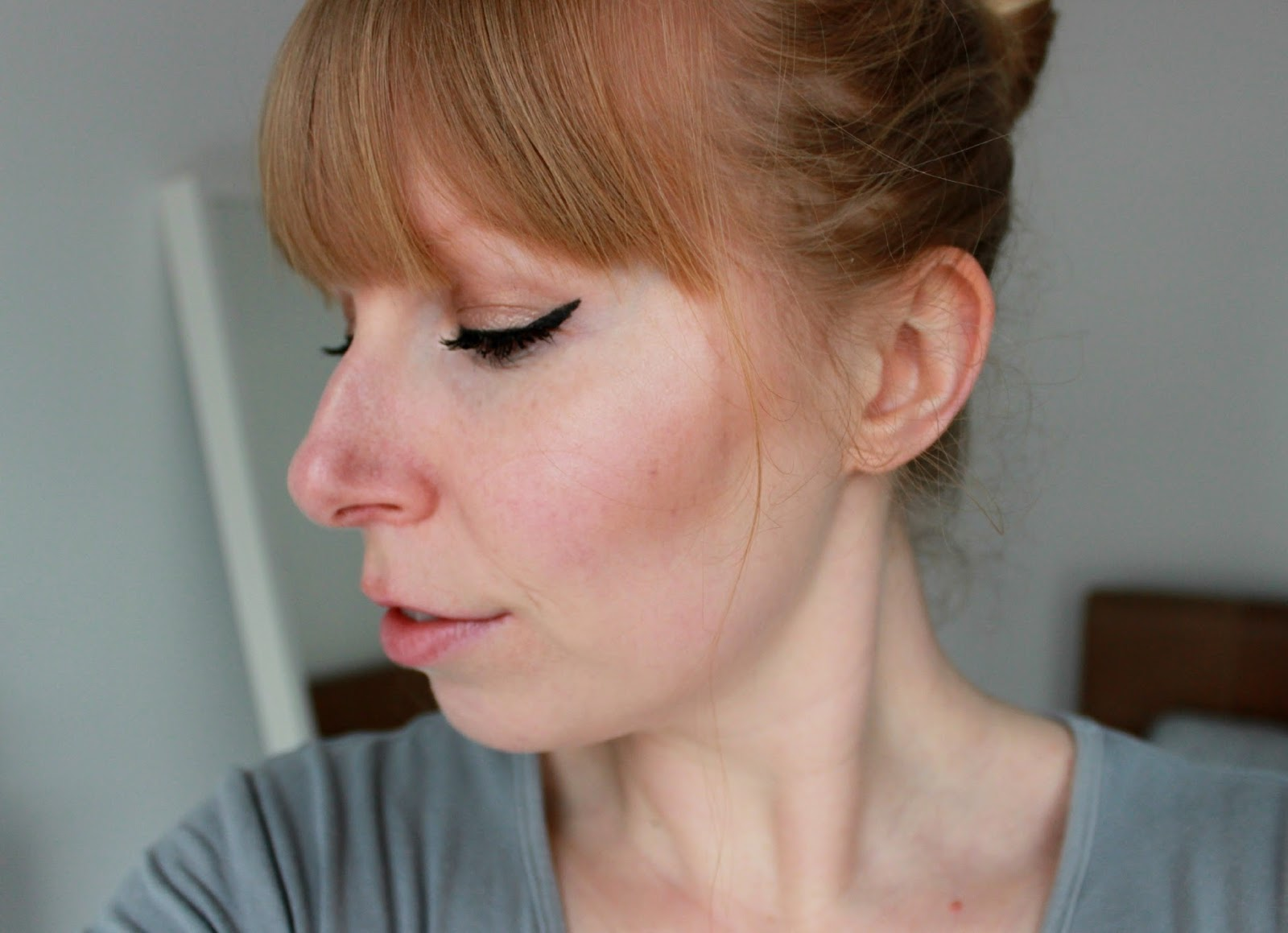 Clinique Chubby Stick Sculpting Contour and Highlight sticks swatches on pale skin