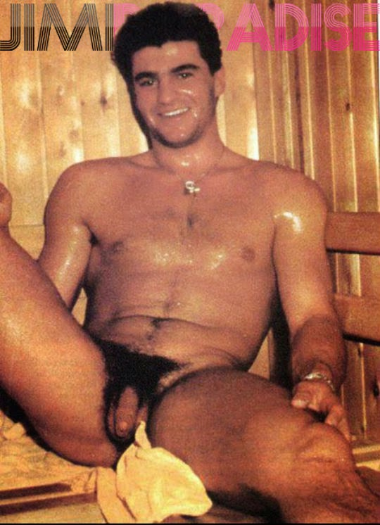 Alberto Tomba nudo