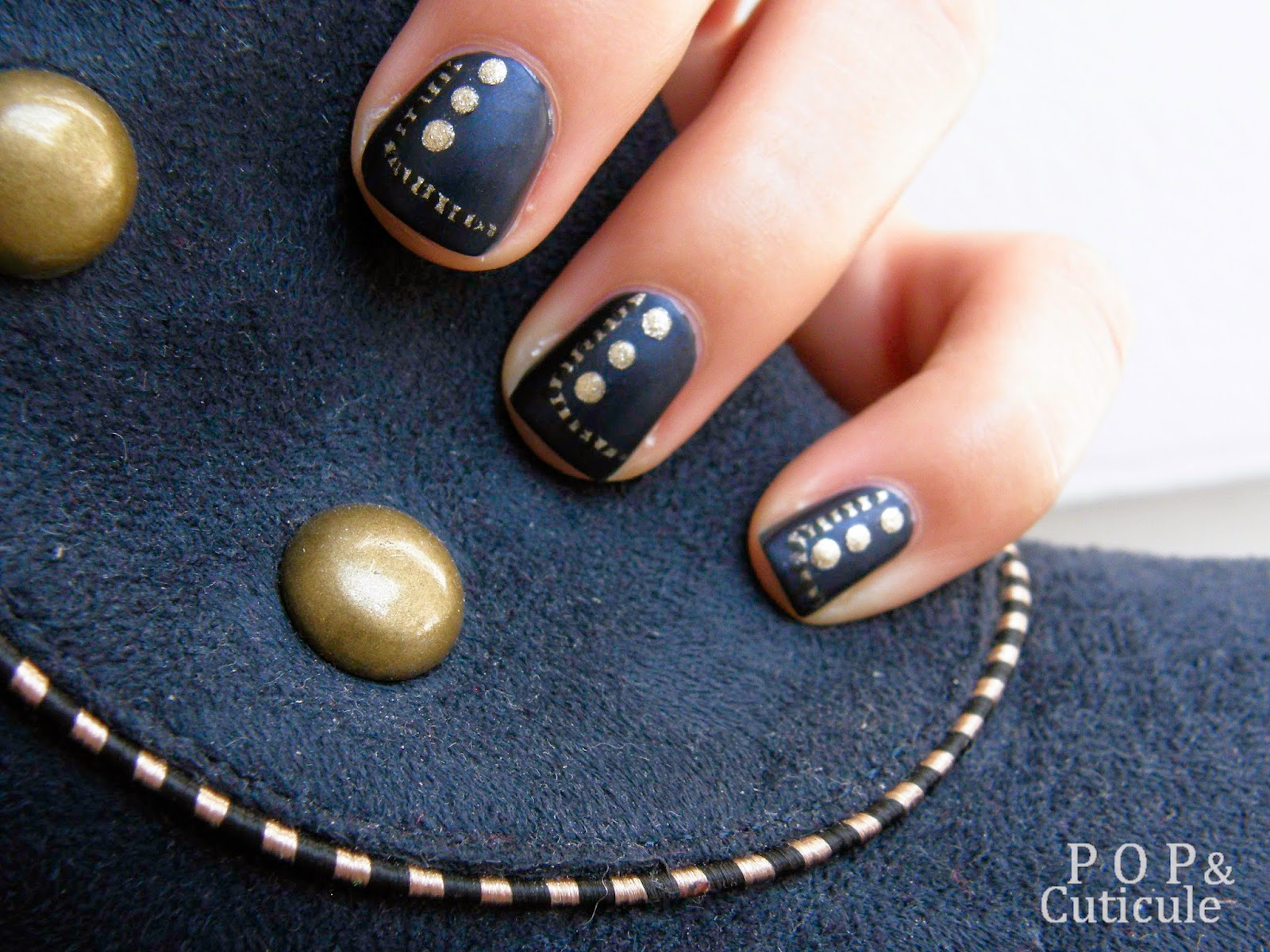 Pop & Cuticule nail art gold bleu marine or