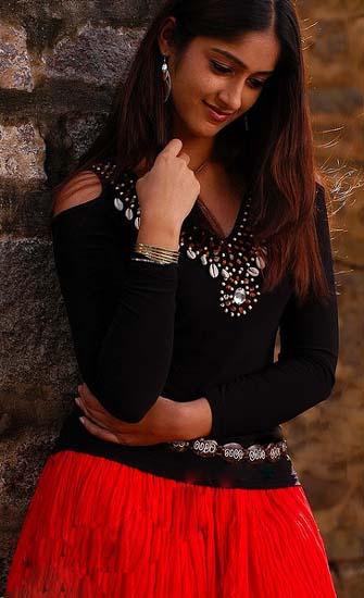 Heroine Ileana Pokiri movie stills pics1