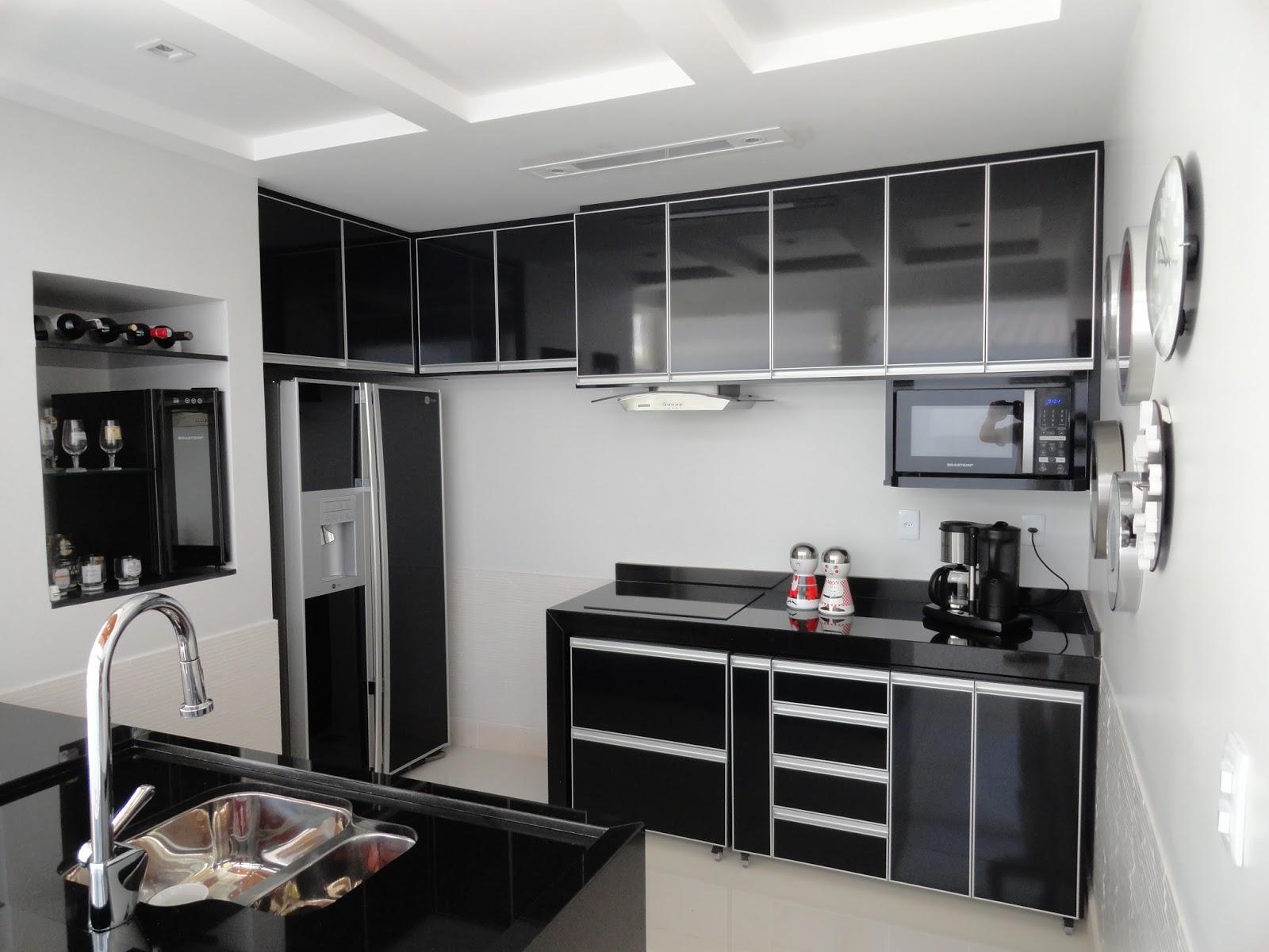 Móveis e Esquadrias: Cozinhas em MDF revestidas em laminado Fórmica #604946 1600 1200