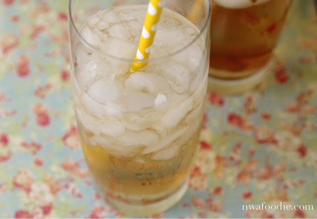#denigris1889 refreshing mocktail - up close one glass (c) nwafoodie