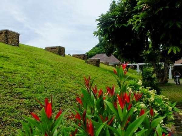 guest house di pendopo Banyuwangi berbentuk bunker.
