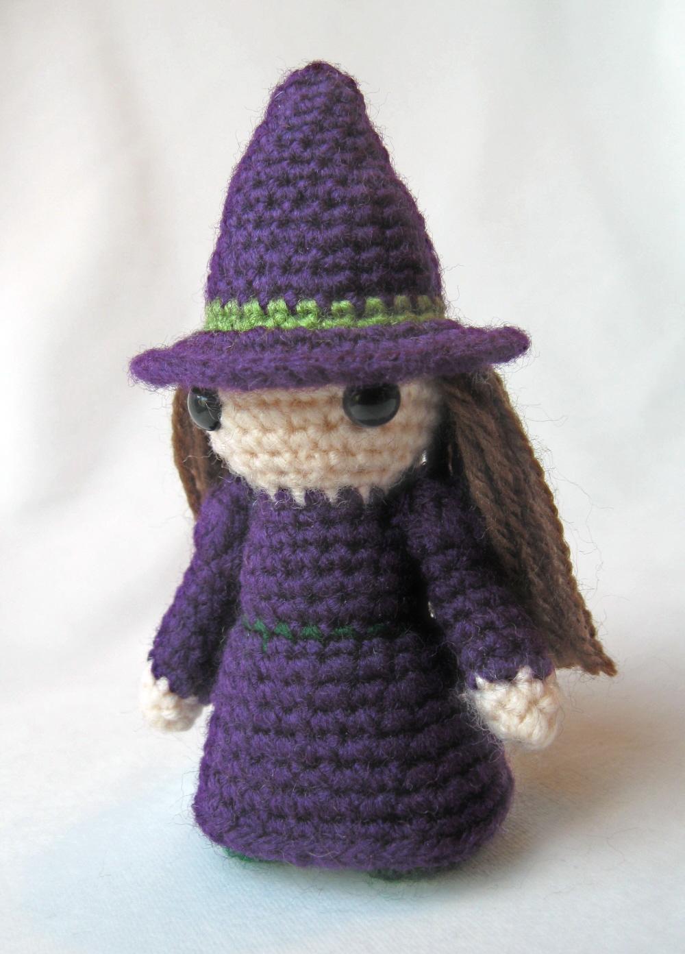 Free Amigurumi Witch Pattern : LucyRavenscar - Crochet Creatures: Halloween Patterns