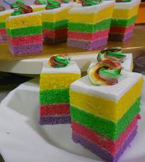Kek Slices Rainbow (RM70)