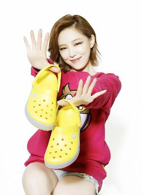 Ga In Brown Eyed Girls Crocs Fall 2013
