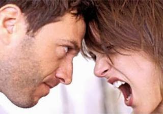 Ιδού γιατί γκρινιάζει μια γυναίκα στον άνδρα...