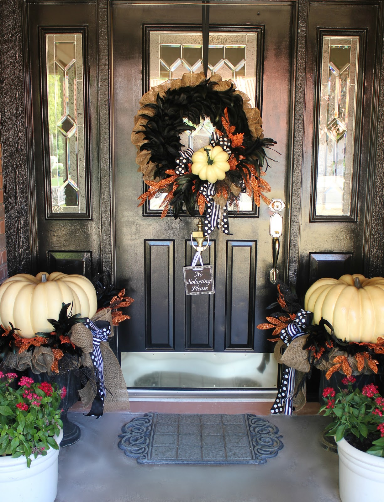 PORCH DECORATIONS THAT EASILY TRANSITION FROM HALLOWEEN INTO THANKSGIVING FALL BURLAP AND WHITE PUMPKIN WREATH FOR FRONT DOOR