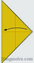 Bước 3: Gấp tờ giấy theo chiều từ phải sang trái.