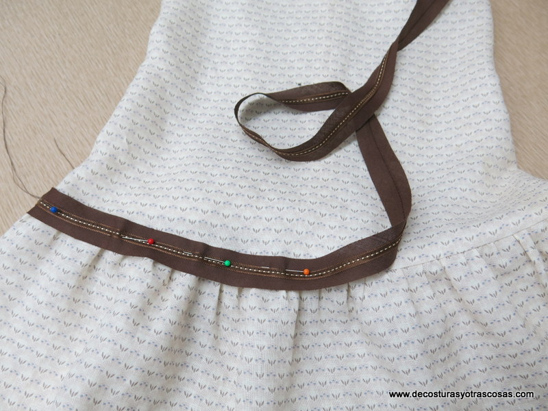 como decorar un vestido con cintas de pasamanería