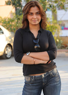 Deepali Singh in Black Tight T Shirt and Jeans Pictures