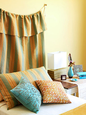 Modern furniture summer 2013 decorating ideas tropical style for Breezy beach chaise