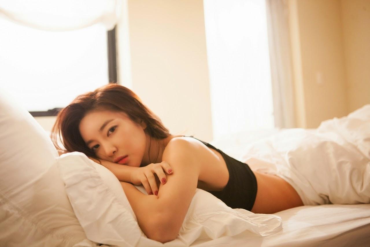 NS Yoon G Yasisi Photobook