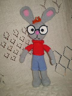 Вязаная крючком игрушка своими руками кролик из мультфильма Винни Пух и все-все-все